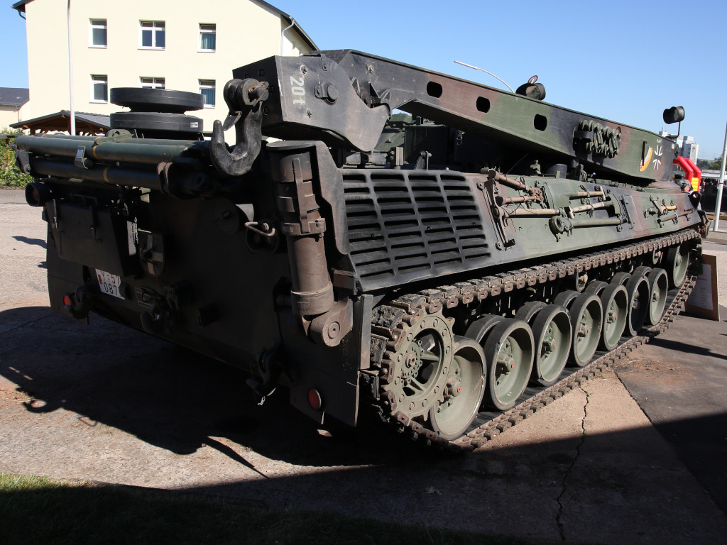 4 Bergepanzer 2 Standard 1:35 Takom (#2122)