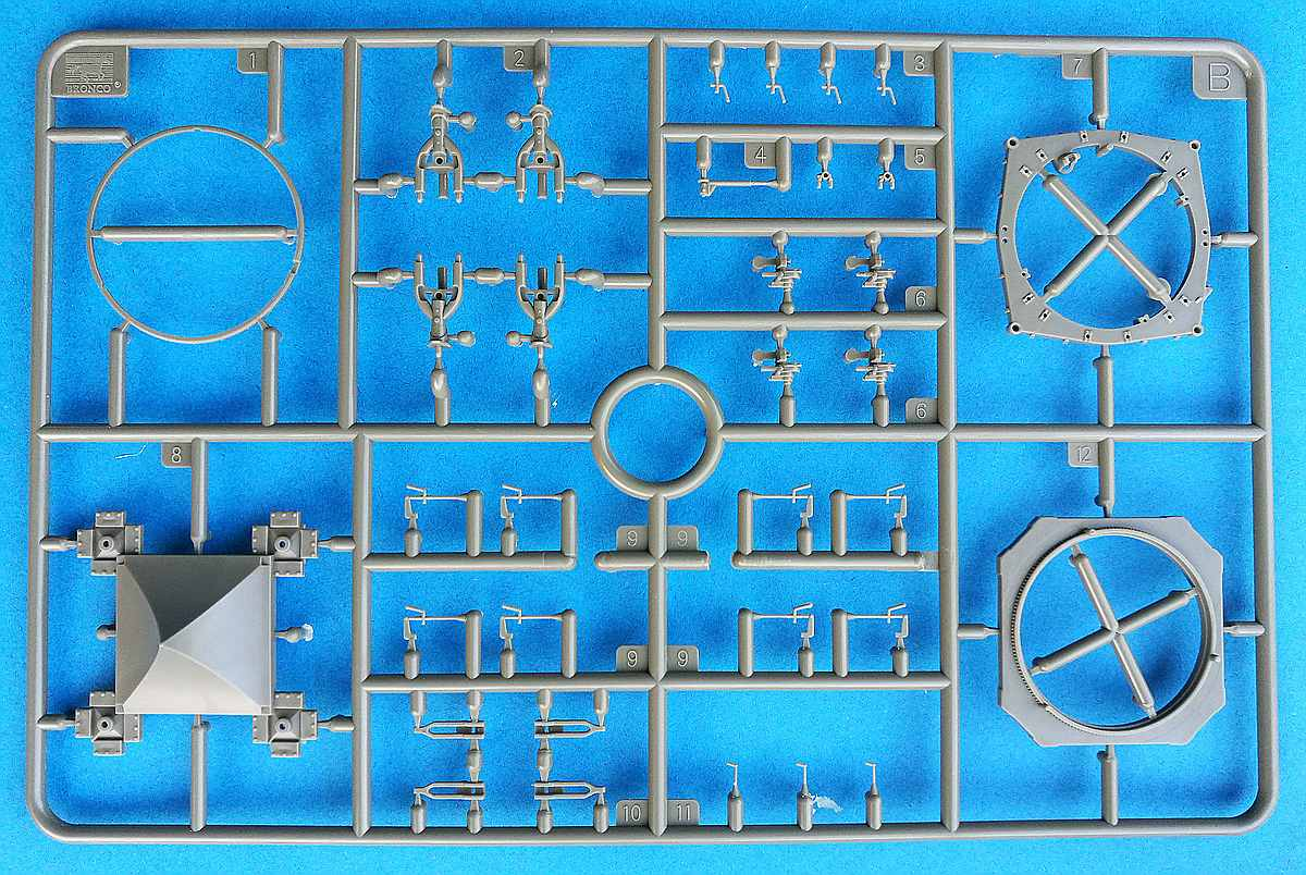 Bronco-GB-7011-Chinese-Dong-Feng-1-7 Chineses Dong Feng 1 in 1:72 von Bronco # GB 7011