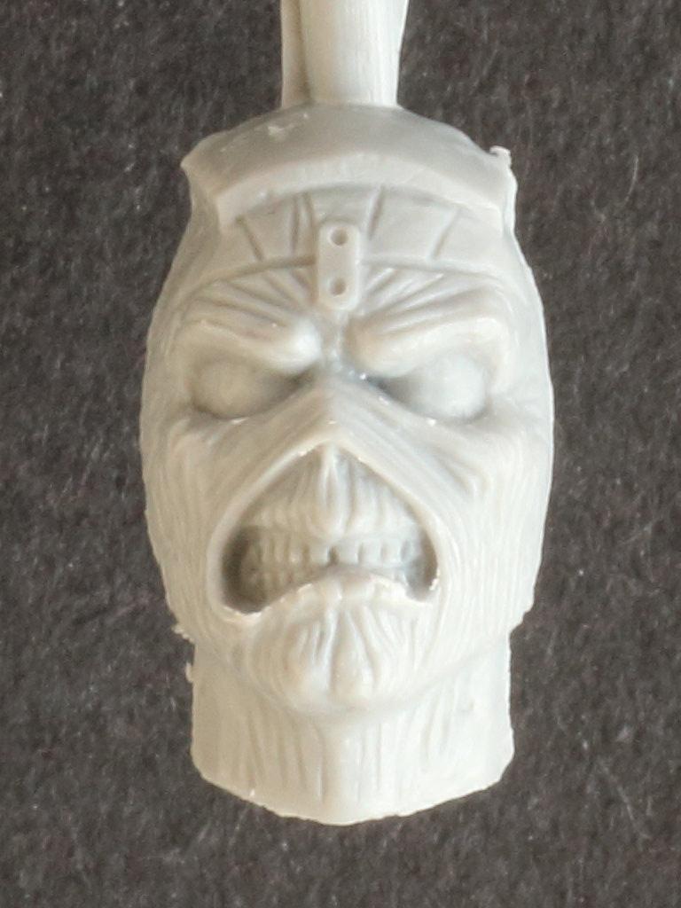 Eddie Iron Maiden Spitfire MK.II Aces High 1:32 Revell (05688)