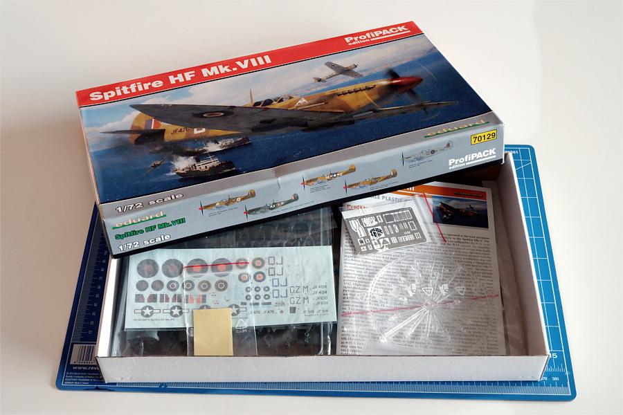 Eduard-70129-Spitfire-Mk-VIII_Eduard_Kartoninhalt Spitfire HF Mk.VIII in 1:72 PROFIPACK von EDUARD #70129