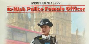 BRITISH POLICE FEMALE OFFICER in 1:16 von ICM # 16009