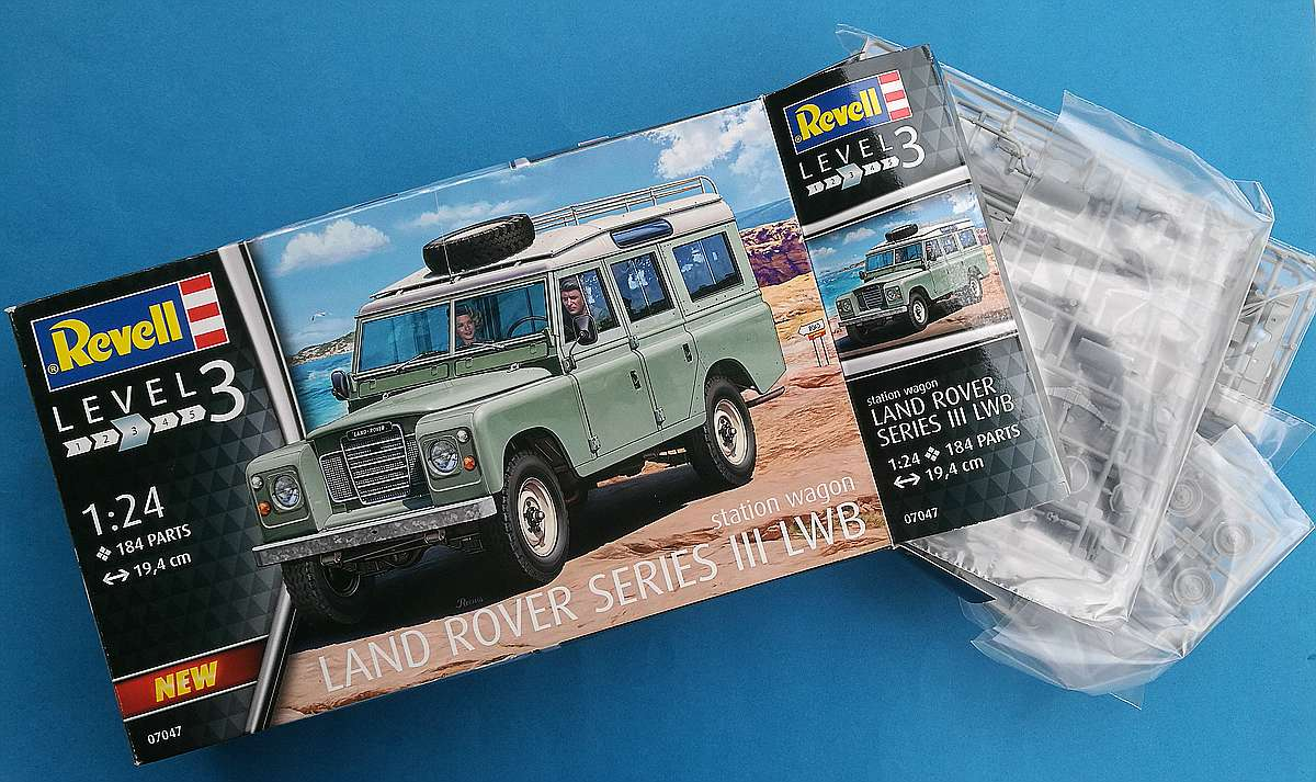 Revell-07047-Landrover-Series-III-1 Landrover III LWB in 1:24 von Revell # 07047