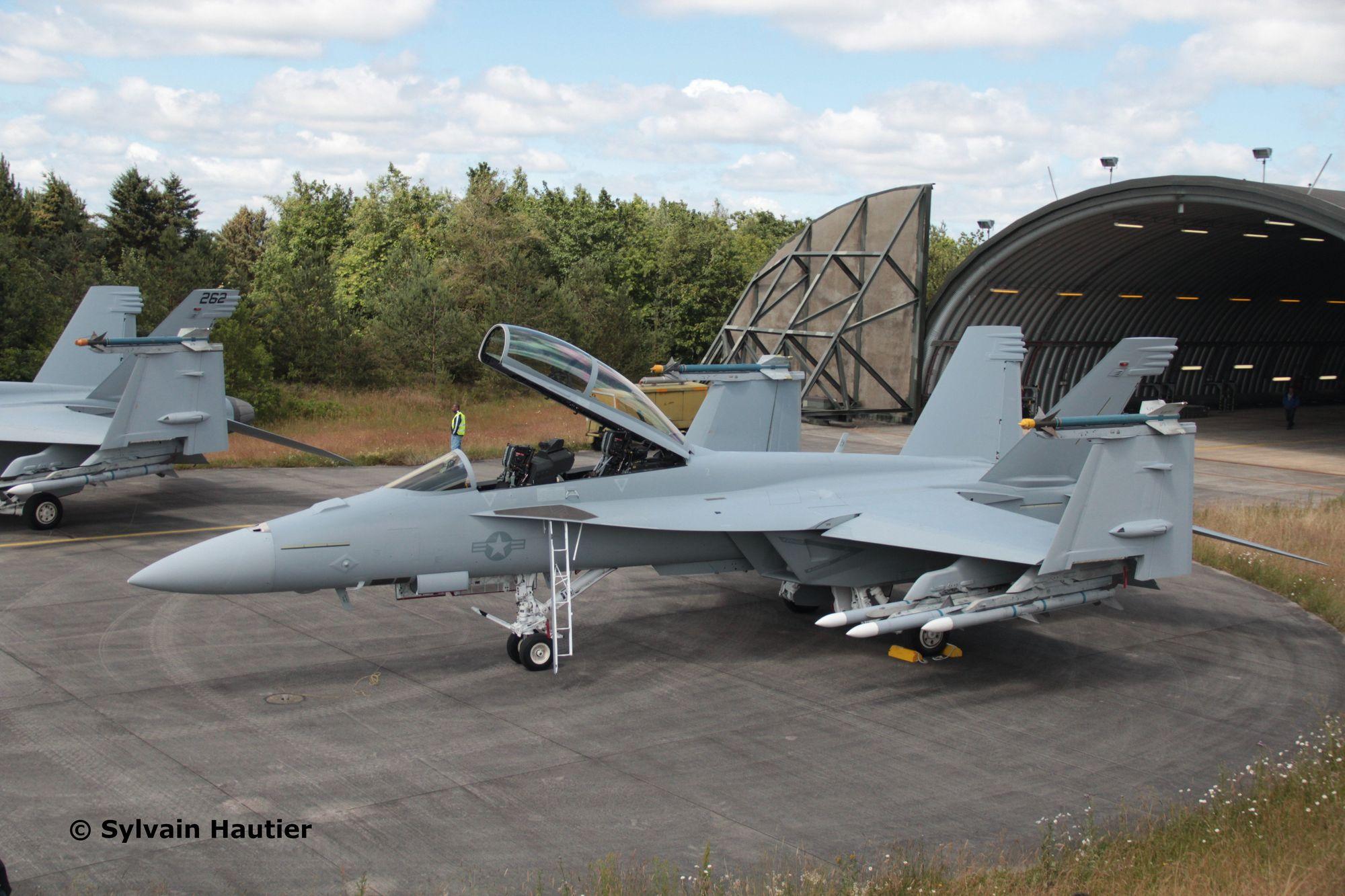 03847-F-A-18F-Super-Hornet-c-Sylvain-Hautier Revell-Neuheiten 2020