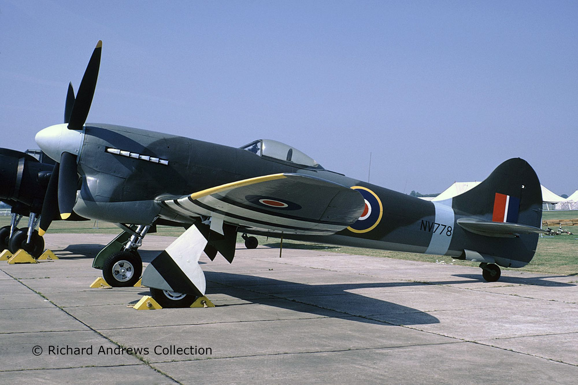 03851-Hawker-Tempest-V-c-Richard-Andrews-Collection Revell-Neuheiten 2020
