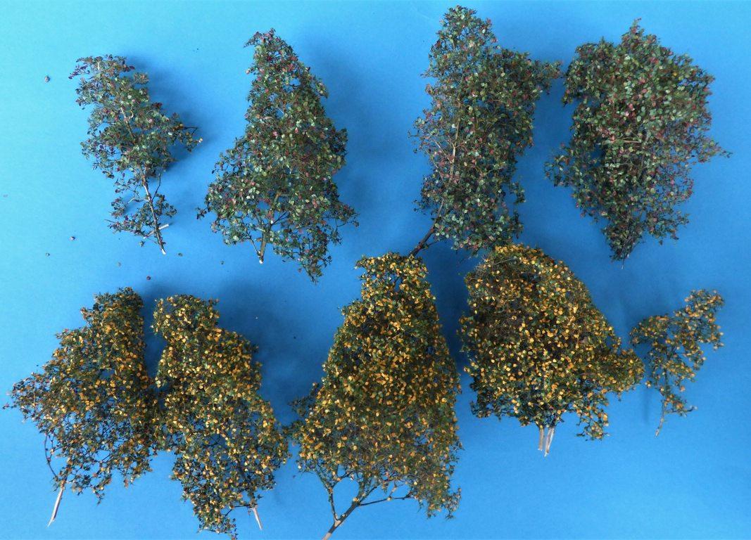 MiniNatur-300-23-Bäume-145-3 Filigranbüsche Frühherbst für den Maßstab 1:48 von MiniNatur