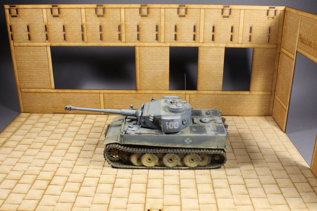 Bild-6 Panzerwerkstatt mit Portalkran - 1/35 - Lasercut-Modellbaushop