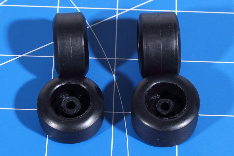 Revell-05689-Benetton-Ford-B194-12 Benetton Ford B 194 in 1:24 von Revell # 05689
