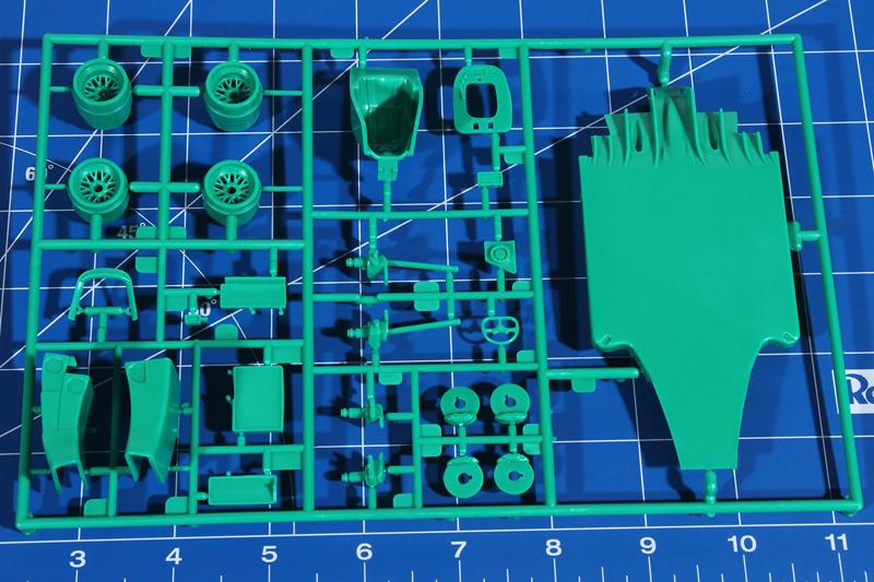 Revell-05689-Benetton-Ford-B194-6 Benetton Ford B 194 in 1:24 von Revell # 05689