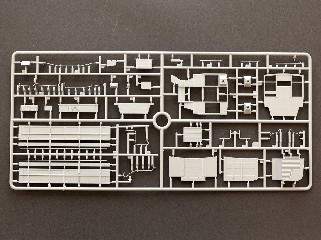 D-7 B-Type Military Omnibus 1:35 Miniart (#39001)
