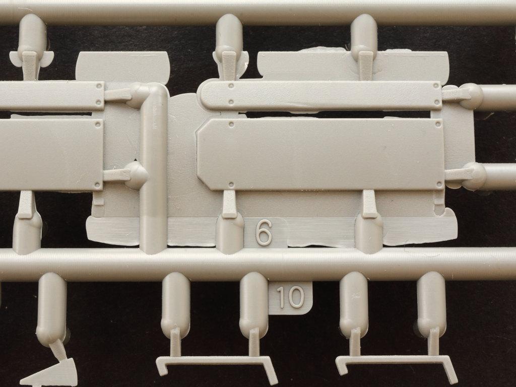 Ea2 B-Type Military Omnibus 1:35 Miniart (#39001)