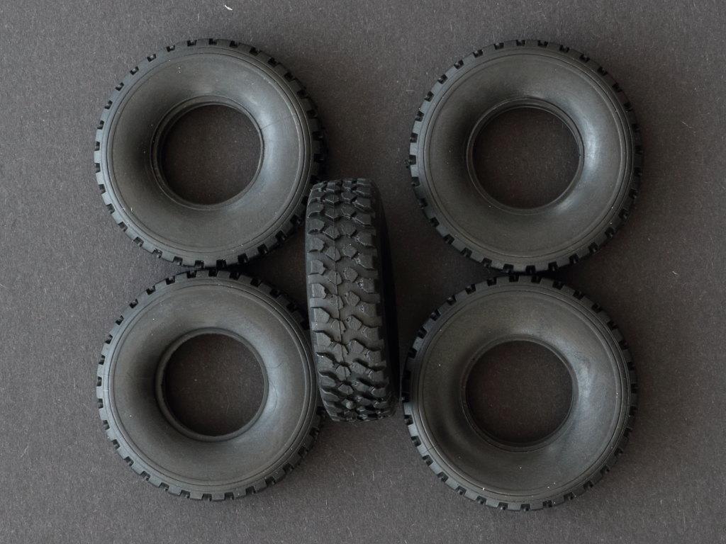 Reifen LKW 5t. mil gl 1:35 Revell (#03257)
