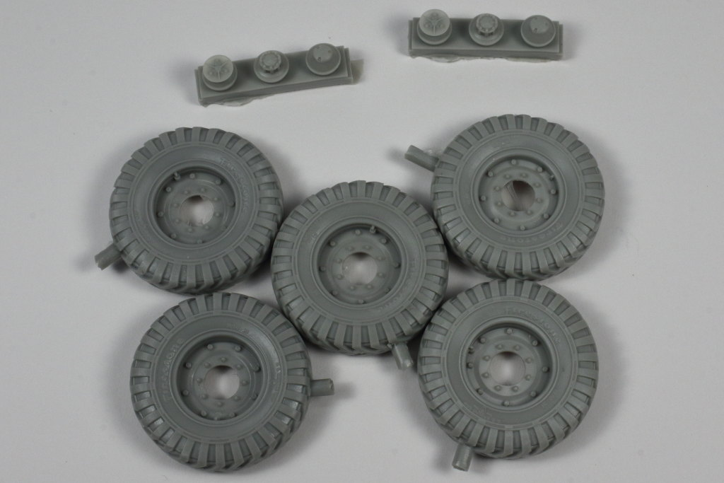 "Review_PanzerArt_C60_Wheels_03 C60 Resin Wheels ""Firestone"" - Panzer Art 1/35"