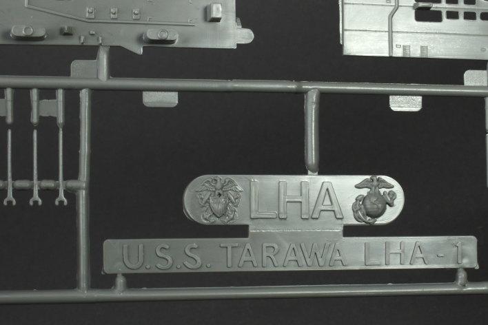 Review_Revell_Tawara_16 USS Tarawa LHA-1 in 1:720 von Revell #05170