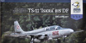 "TS-11 bis DF ""Iskra"" von Arma Hobby Deluxe-Set in 1:72 #70001"