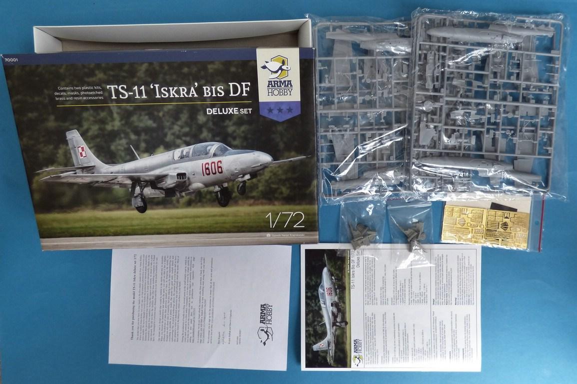 """Arma-Hobby-70001-TS-11-Iskra-DeLuxe-2 TS-11 bis DF """"Iskra"""" von Arma Hobby Deluxe-Set in 1:72 #70001"""