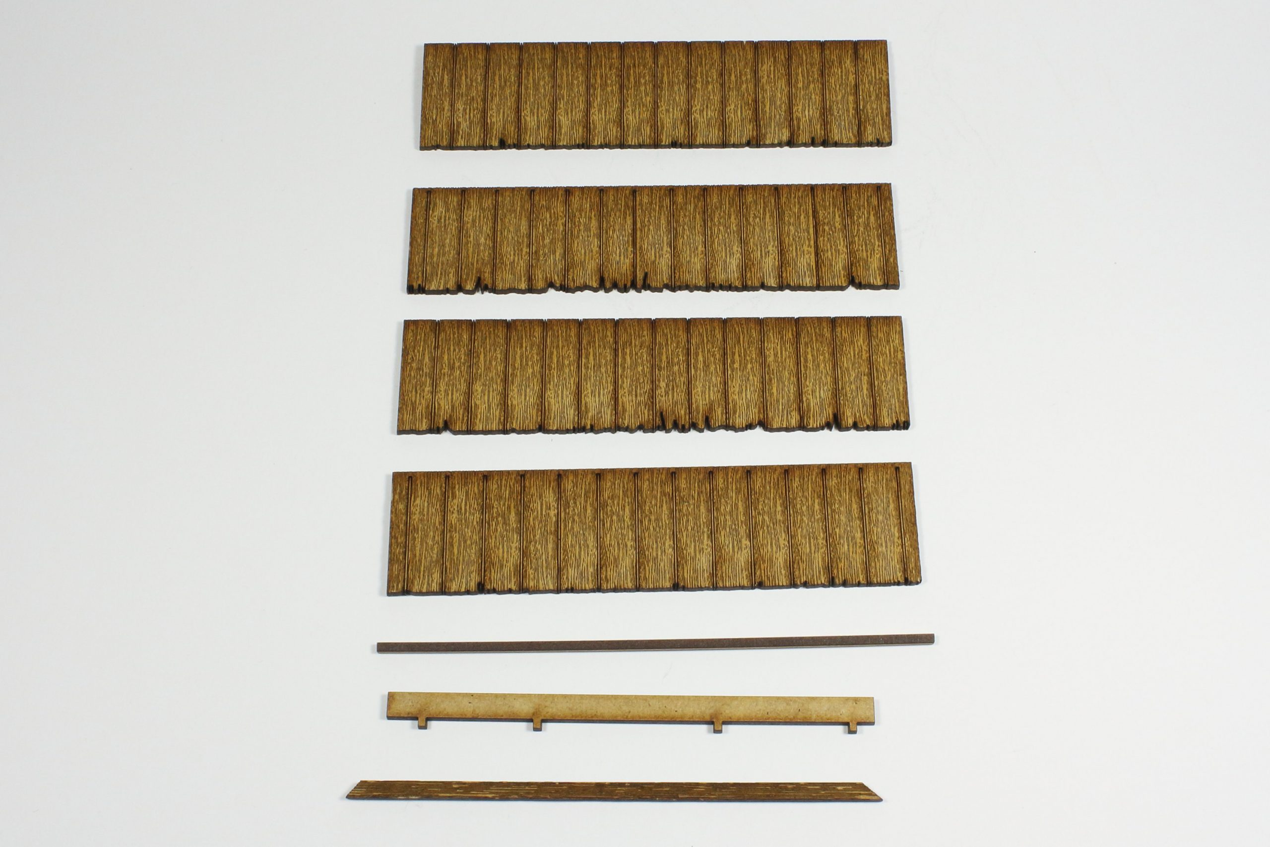Bild-8-scaled Fachwerkhaus mit Holzschuppen - Lasercut Modellbaushop 1:35