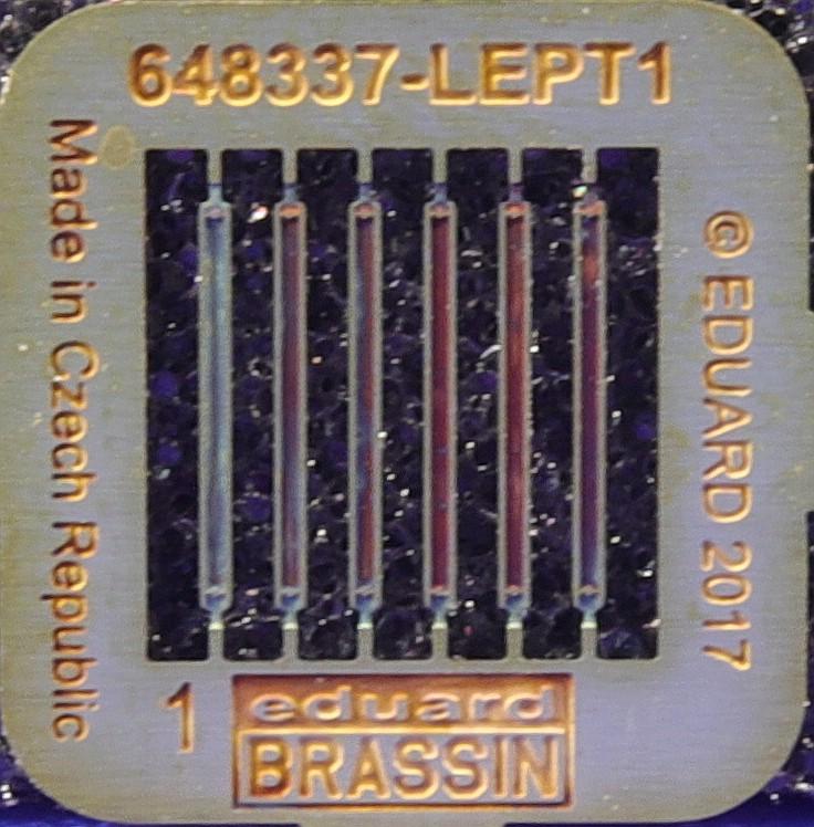 Eduard-648337-P-51D-Bazoka-Rocket-Launcher-for-Airfix-2 Eduard Zubehör für die P-51D in 1:48 von Airfix Teil 2
