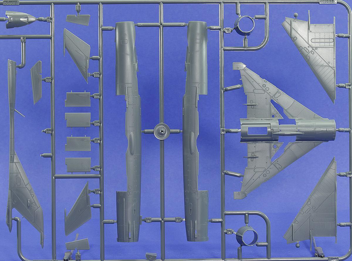 Eduard-70144-MiG-21-PFM-ProfiPack-11 MiG-21PFM in 1:72 von Eduard #70144