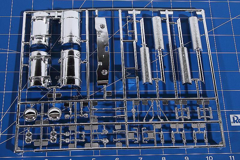 Revell-07659-Kenworth-W-900-30 Kenworth W-900 in 1:25 von Revell #07659