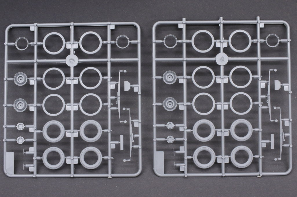 Review_ICM_Admiral_Saloon01 Wehrmacht Personnel Cars (Opel) - ICM 1/35