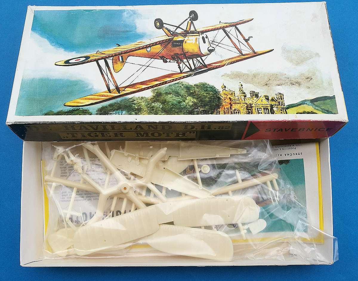 SMER-111-DH-82-Tiger-MOth-2 Kit-Archäologie: DH 82 Tiger Moth in 1:48 von Smer #111