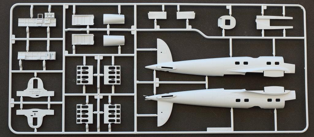 """B Heinkel He111 H-6 Motörhead """"Bomber"""" Special 1:72 Airfix (#A07007B)"""