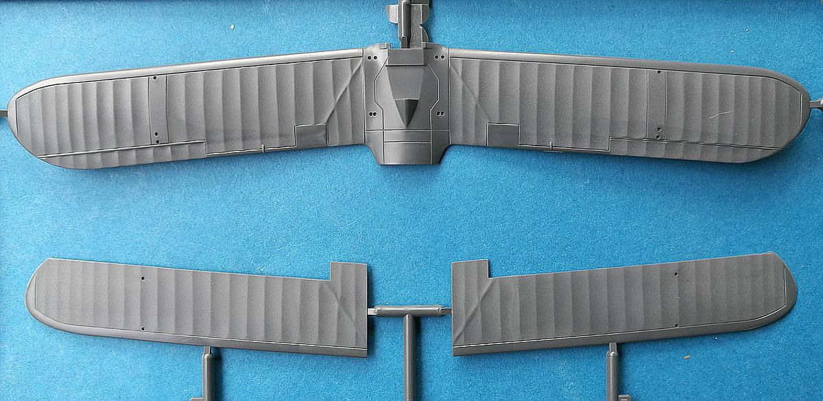 Fujimi-C-13-Aichi-E11A1-Laura-23 Aichi E11A1 LAURA in 1:72 von Fujimi # C-13