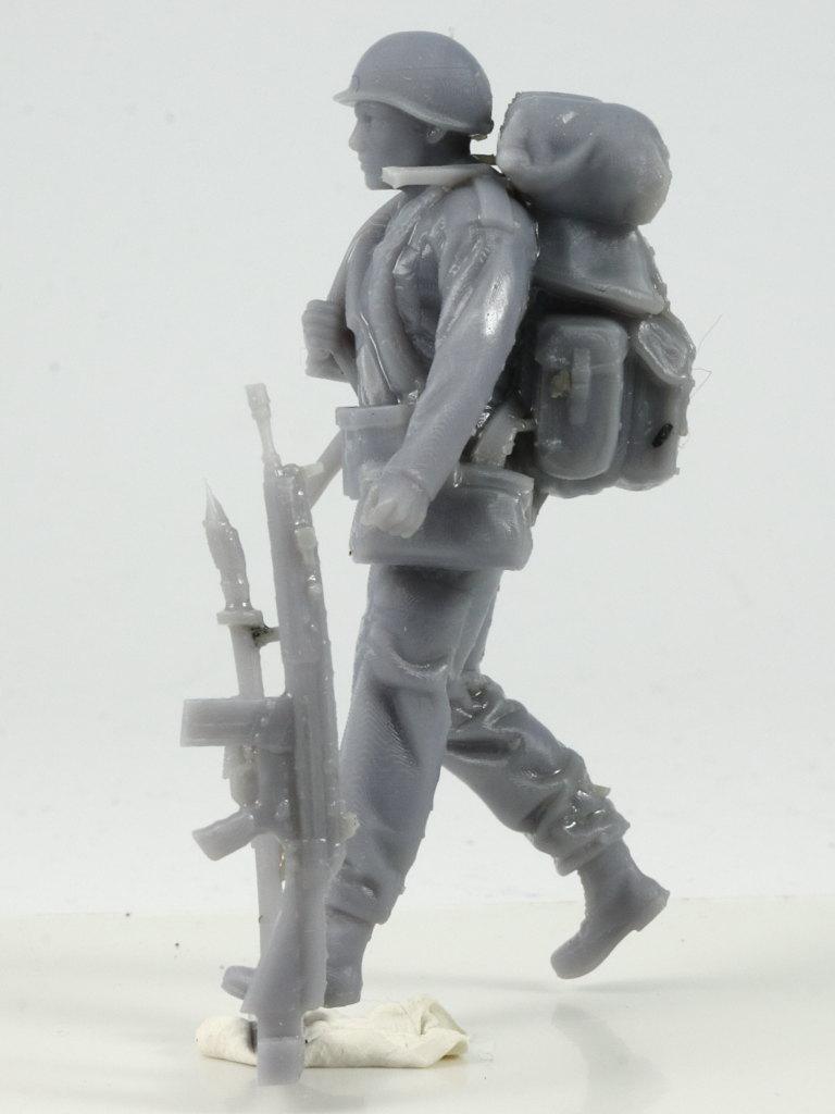 IMG_0024 Bundeswehr - Marschkolonne 02 Germania Figuren (#STL CW 1004)