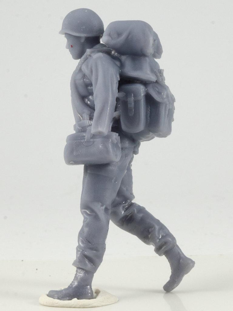 IMG_0040-1 Bundeswehr - Marschkolonne 02 Germania Figuren (#STL CW 1004)
