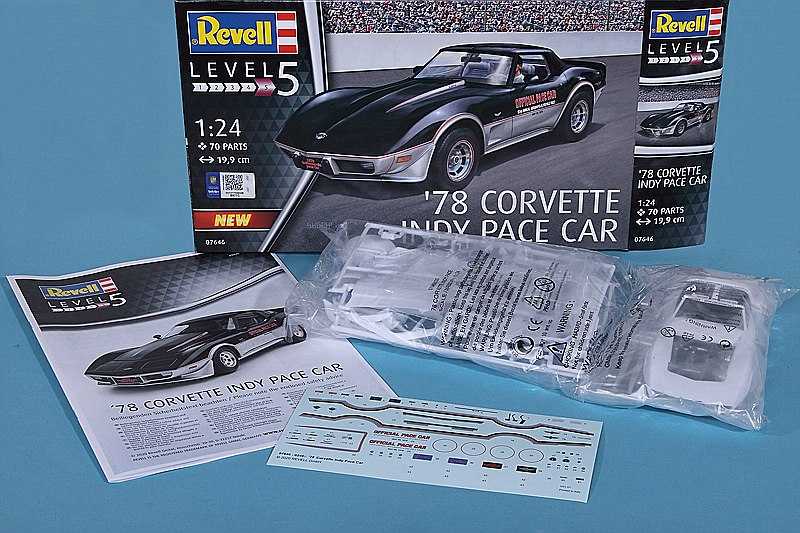 Revell-07646-CORVETTE-78-INDY-PACE-CAR-2 Corvette ´78 Indy Pace Car in 1:24 von Revell # 07646