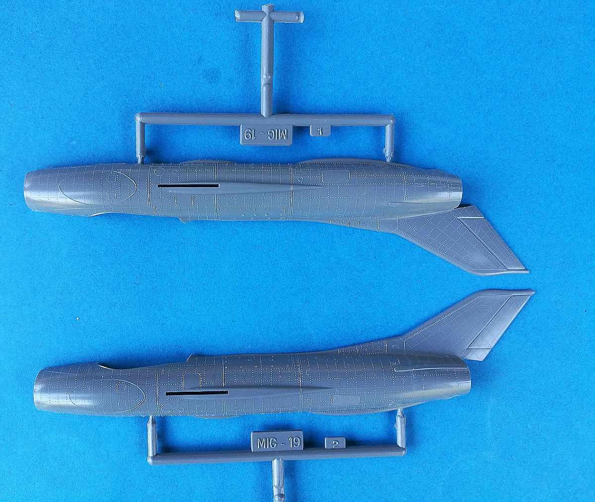 Heller-L-251-MiG-19-6 Kit-Archäologie: MiG-19 in 1:72 von Heller # L 251