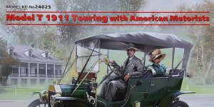 Ford Modell T 1911 Touring with American motorists in 1:24 von ICM #24025