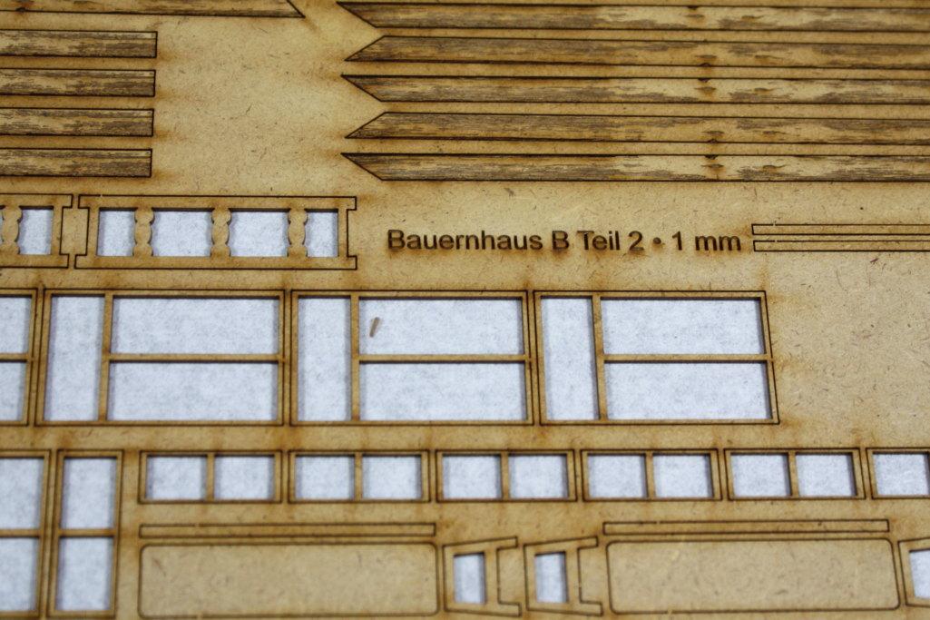 Bild-15 Zwei Russische Bauernhäuser - 1/35 - Style-Design - Art.Nr. MB-0013