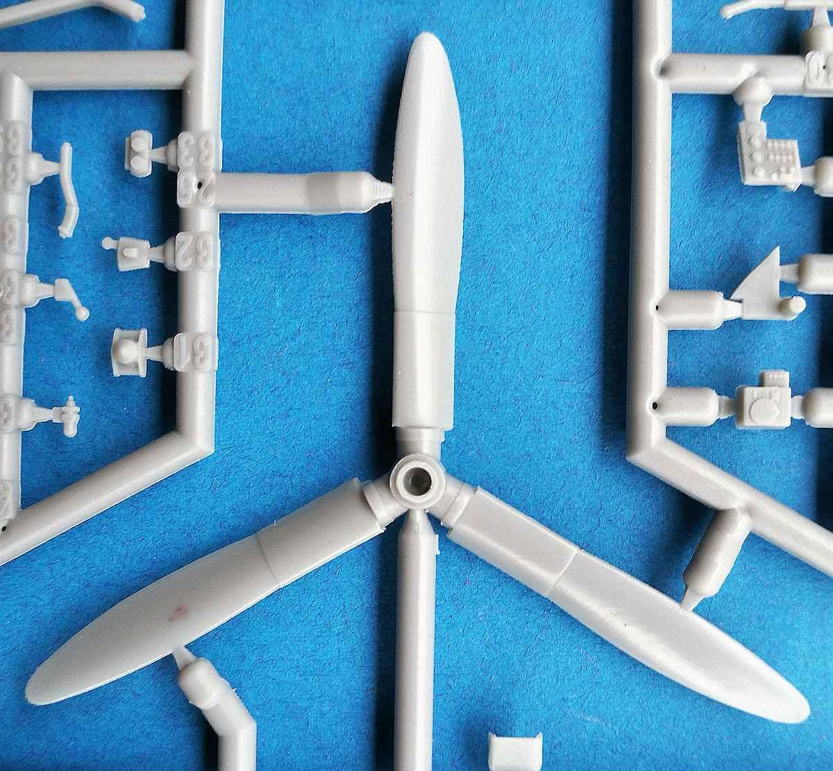 DoraWings-48029-Republic-P-43-Lancer-18 Republic P-43 Lancer in 1:48 von Dora Wings # 48029