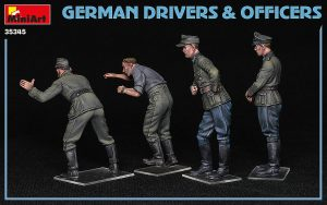 MiniArt-35345-German-Drivers-and-Officers-3-300x188 MiniArt 35345 German Drivers and Officers (3)