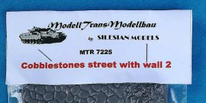 Cobblestone Road with Wall in 1:72 von ModellTrans # MTR 7225