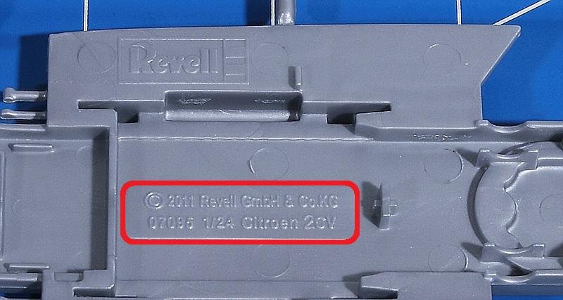 Revell-07653-Citroen-2CV-COCORICO-14 Citroen 2CV in 1:24 von Revell # 07653