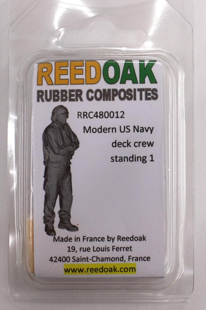 Review_Reedoak_Carrier-Crew_17 Carrier Deck Crew (verschiedene Figuren) - Reedoak - 1/48