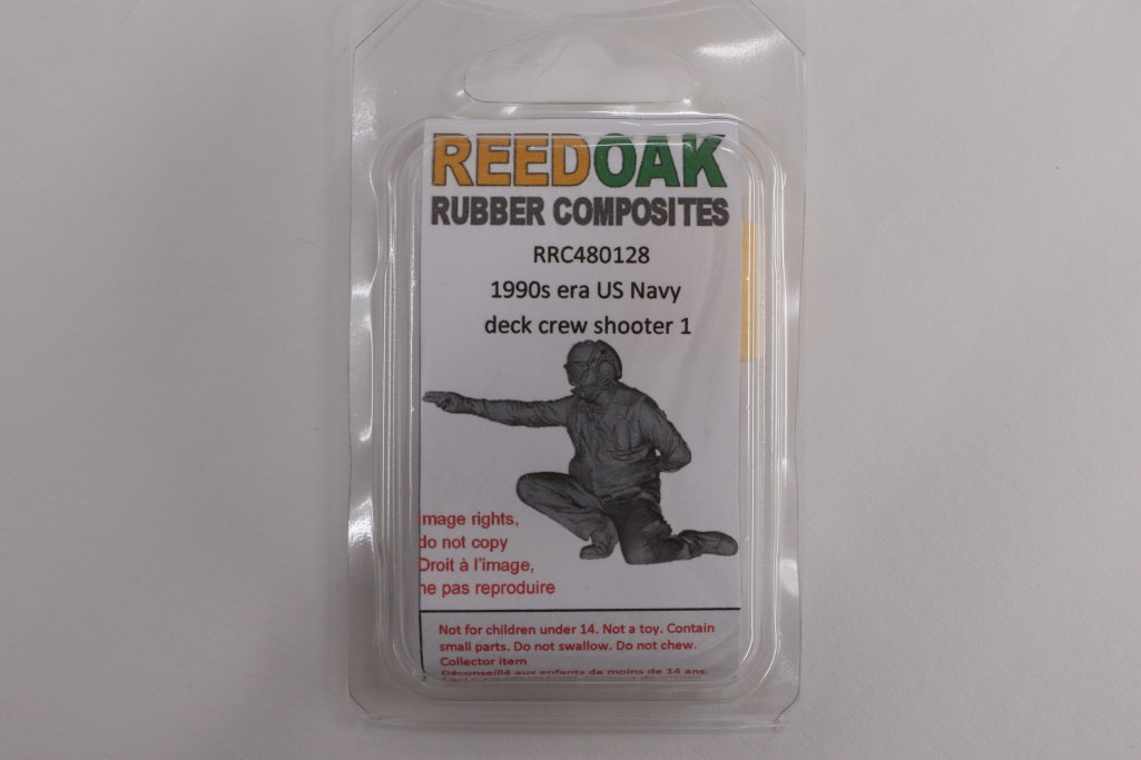 Review_Reedoak_Carrier-Crew_23 Carrier Deck Crew (verschiedene Figuren) - Reedoak - 1/48