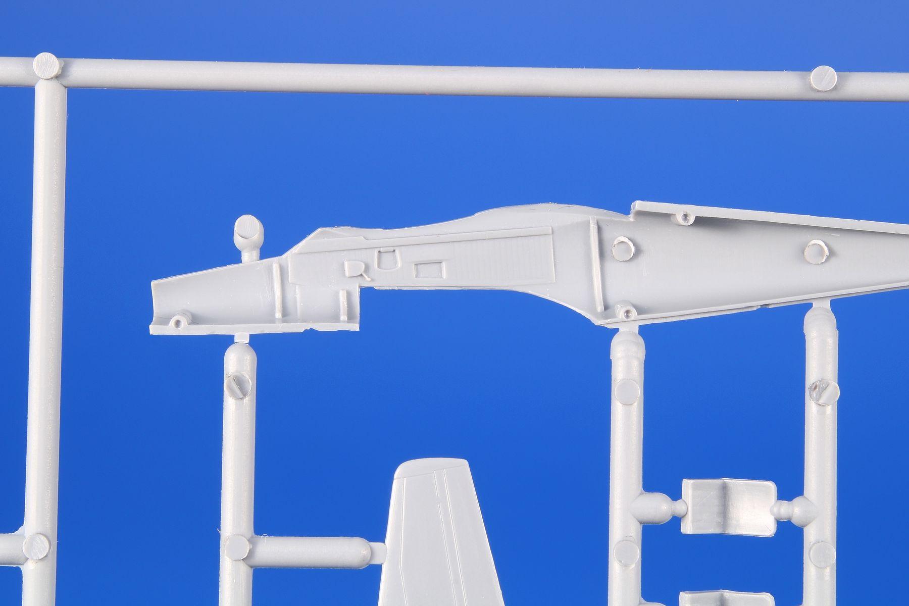 SH72418-SIAI-SIAI-Marchetti-SF-260-7 SIAI Marchetti SF 260 M/AM/W in 1:72 von Special Hobby
