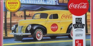 "AMT Ford 1940 Sedan Delivery ""Coca Cola"" in 1:25"