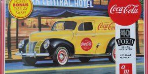 "AMT Ford 1940 Sedan Delivery ""Coca Cola"" in 1:25"
