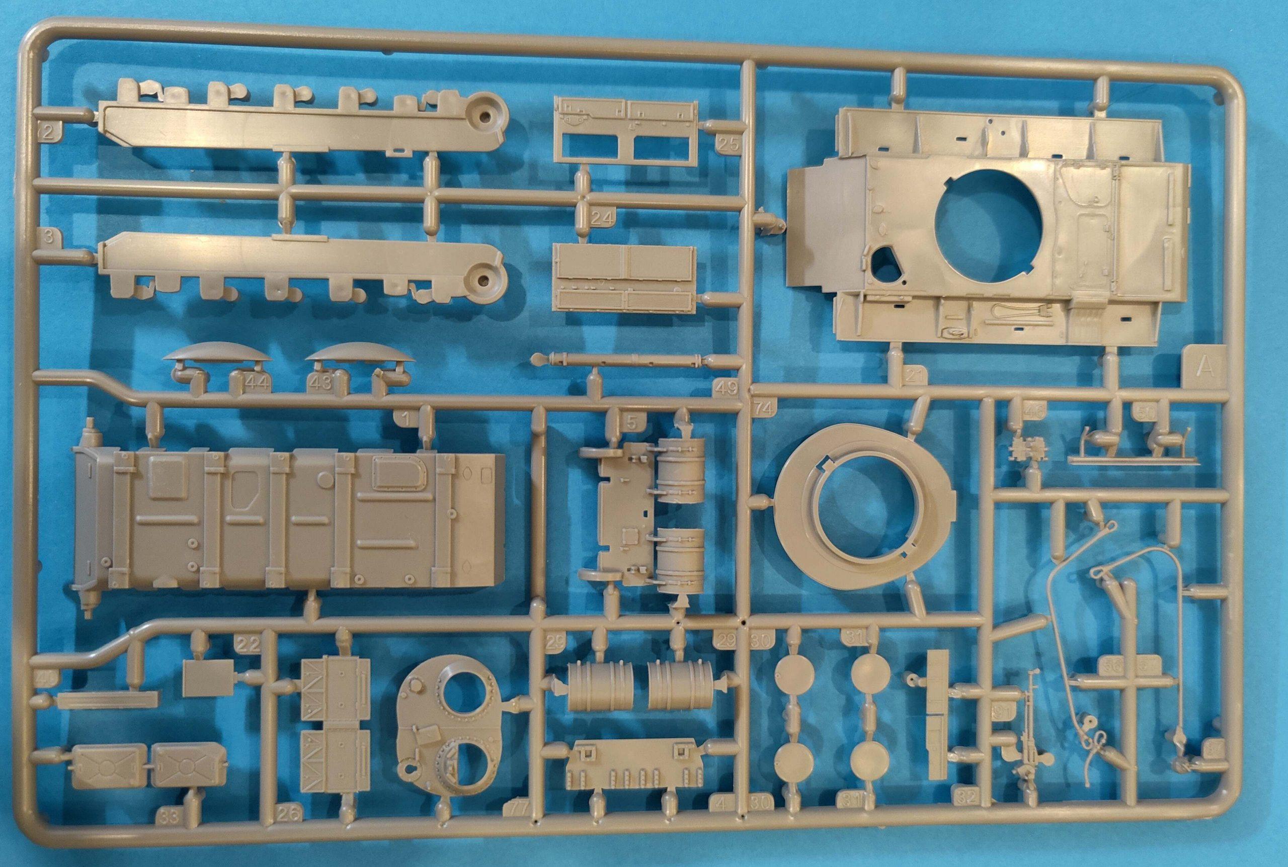 Revell_T55A_AM07-scaled T-55 A/AM mit KMT Minenräumer in 1:72 von Revell # 03328