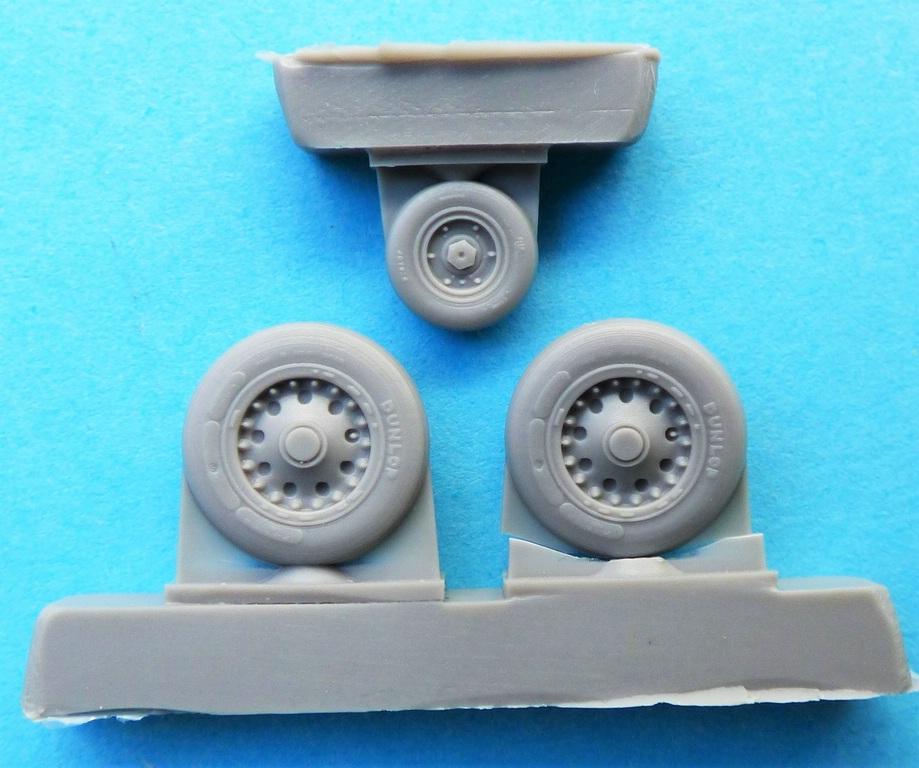 CMK-Q-48380-und-48381-Raedersets-Strafighter-2 Rädersätze von CMK für die Kinetic Starfighter (frühe und späte Ausführung) in 1:48 #48380 und 48381