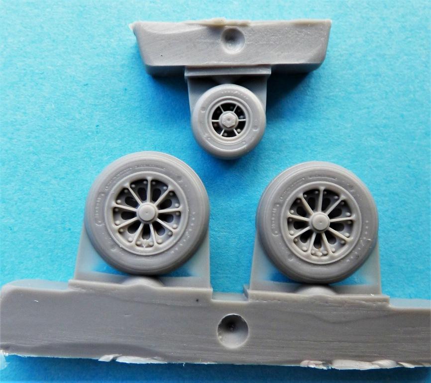 CMK-Q-48380-und-48381-Raedersets-Strafighter-3 Rädersätze von CMK für die Kinetic Starfighter (frühe und späte Ausführung) in 1:48 #48380 und 48381