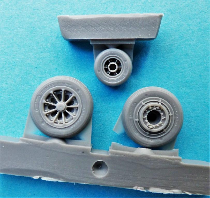CMK-Q-48380-und-48381-Raedersets-Strafighter-5 Rädersätze von CMK für die Kinetic Starfighter (frühe und späte Ausführung) in 1:48 #48380 und 48381