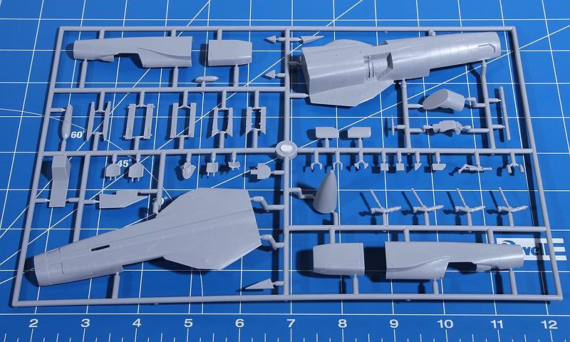 R.V.-Aircraft-72001-MiG-23-MF-8 MiG-23 MF in 1:72 von R.V. Aircraft # 72001