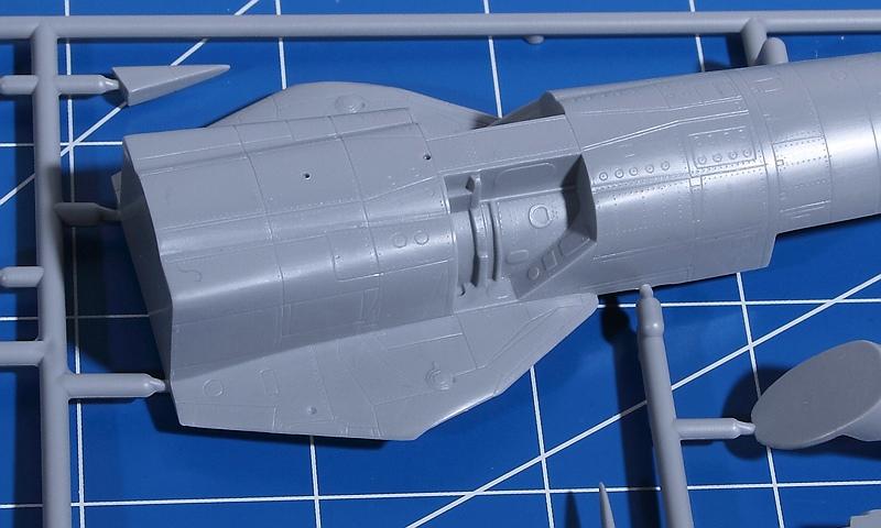 R.V.-Aircraft-72001-MiG-23-MF-9 MiG-23 MF in 1:72 von R.V. Aircraft # 72001