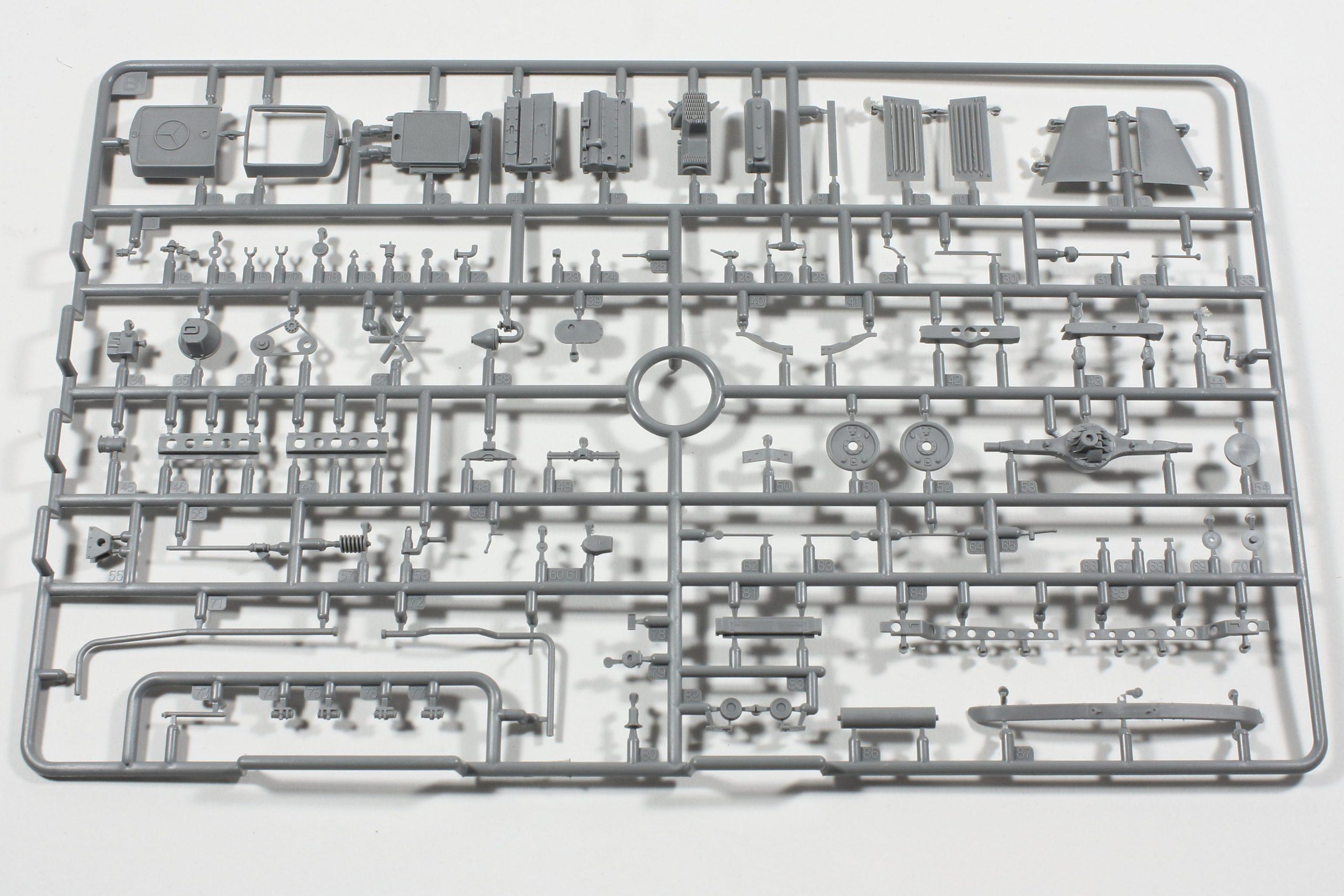 """Bild-1-2-scaled MiniArt 38051 """"L 1500S German 1,5T Truck"""" - 1/35"""