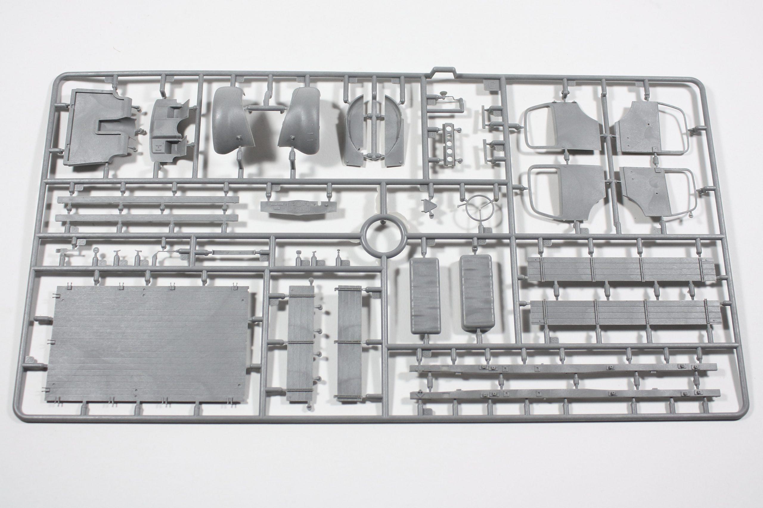 """Bild2-scaled MiniArt 38051 """"L 1500S German 1,5T Truck"""" - 1/35"""